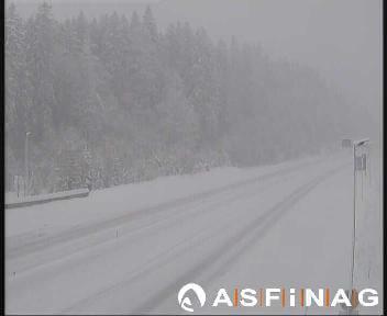 Schnee auf der A9 beim Rastplatz Pyhrn-Priel