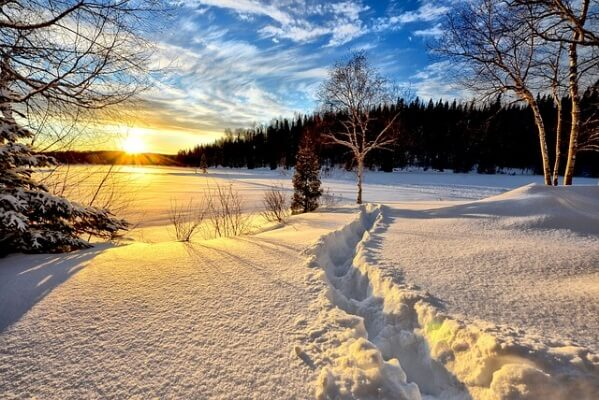 Schnee und Sonne im Winter