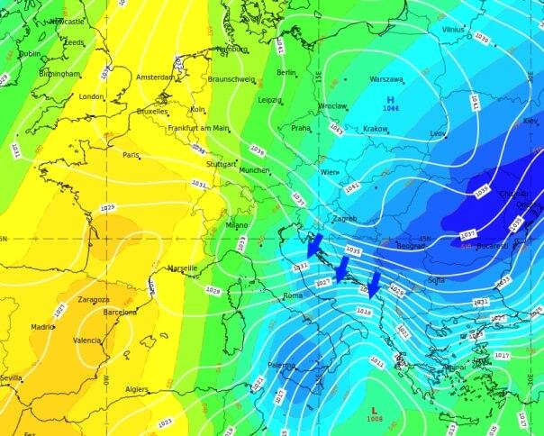 Das Hoch über Osteuropa und das Tief im MIttelmeer sorgen für Bora