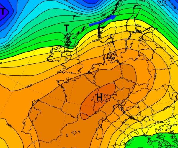Das Hoch über Mitteleruopa lenkt Tiefdruckgebiete nach Skandinavien