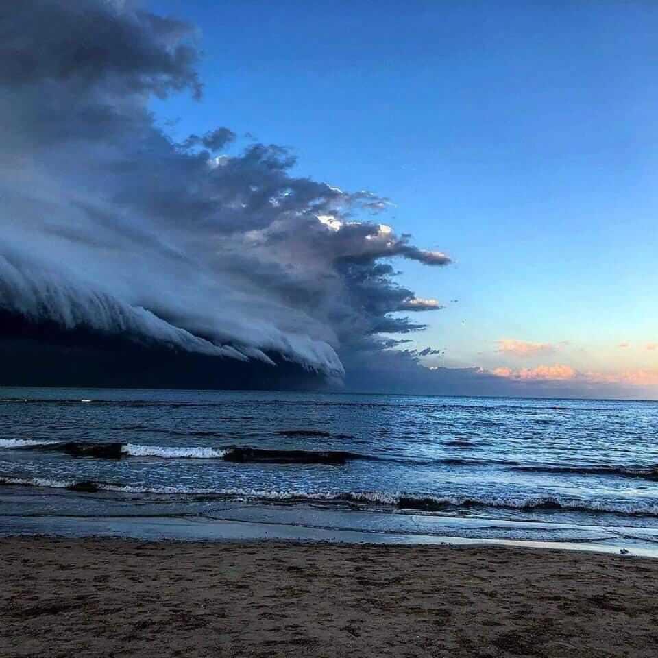 Aufnahme der Gewitter vom 11.03.2019 von Igor Monaldi aus Roseto, IT @ https://www.facebook.com/igor.monaldi
