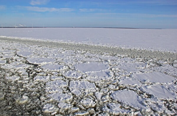 Noch immer sind Teile der Ostsee zugefroren.