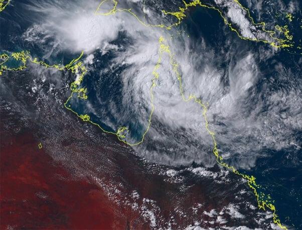 Zyklon Trevor trifft auf Australien