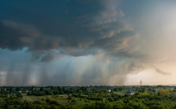 Gewitter mit Regen. © Adobe Stock