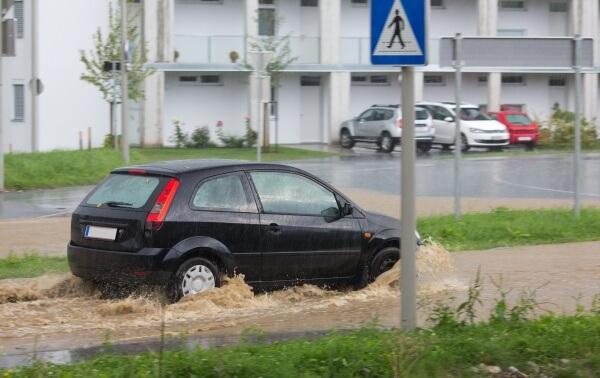 Durch Dauerregen lokale Überflutungen