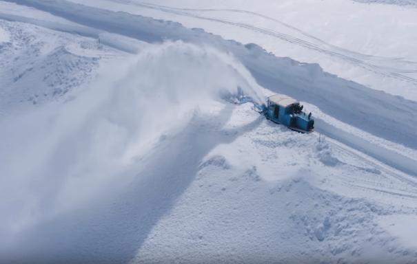 Schneeräumung mit Schneefräse