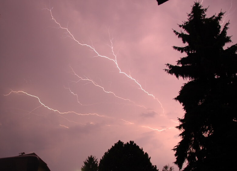 Am Pfingstmontag im Osten teils heftige Gewitter