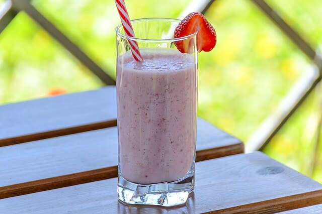 Erfrischend bei großer Hitze: Die Erdbeermilch