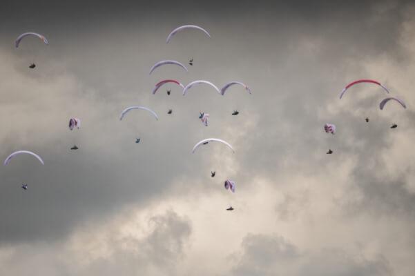 Red Bull X-Alps: Kopf-an-Kopf-Rennen am Montag bei gutem Flugwetter