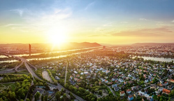 Sonnenuntergang in Wien - Adobe Stock