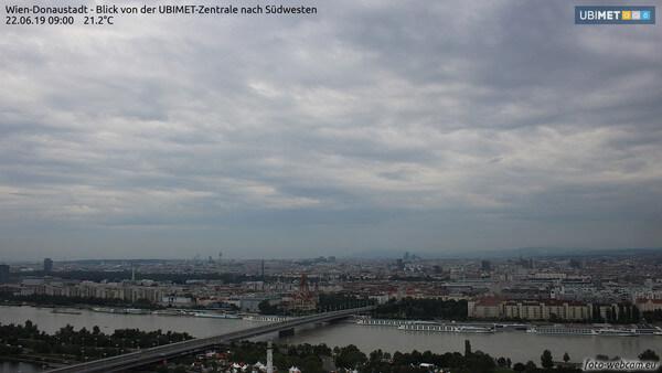 Blick vom Büro der Unwetterzentrale gen Südwest@ UBIMET, foto-webcam.eu