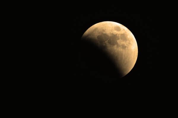 Mondfinsternis am Dienstag – Wetter spielt mit!