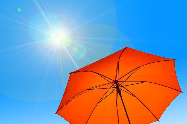 Sonnenschirme sind ein guter Schutz gegen UV-Strahlung.