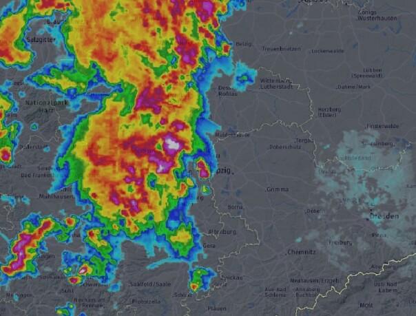 Radarbild um 20:50 Uhr. © DWD / UBIMET