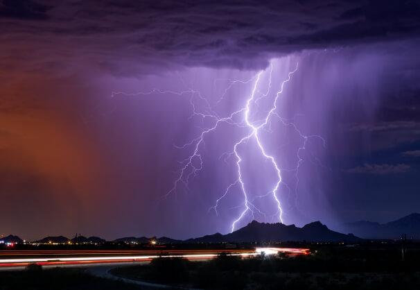 Blitz mit Gewitter