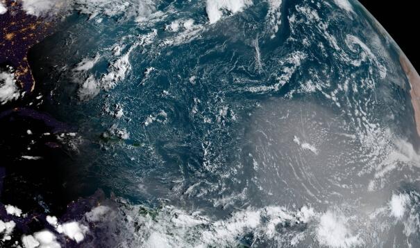 Satellitenbild vom Atlantik mit Saharastaub
