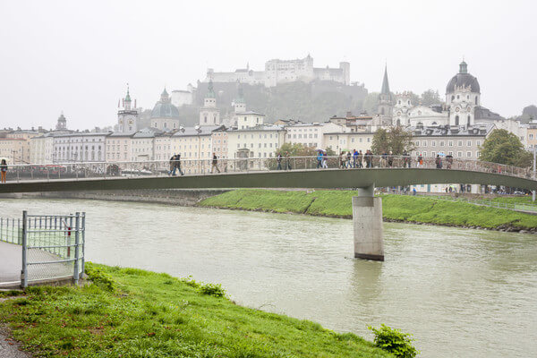 Salzburg im Regen @ https://stock.adobe.com