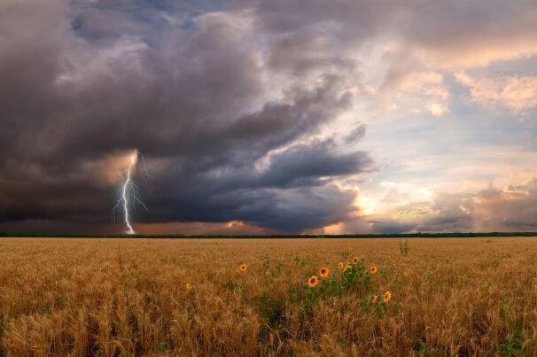 Tief BERND bringt zweigeteiltes Wetter