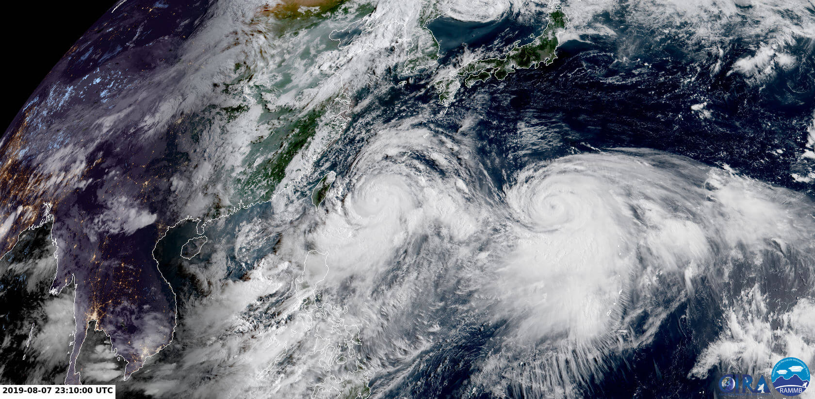 Himawari-Satellitenbild am 08.08.2019 um 01:10 Uhr MESZ © CIRA - RAMMB http://rammb-slider.cira.colostate.edu