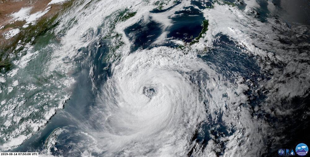 Himawari Satellitenbild vom Taifun KROSA am 14.08.2019 um 9:50 MESZ - CIRA RAMMB
