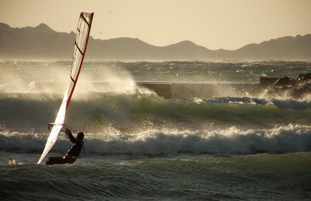 Mistral - Surfer