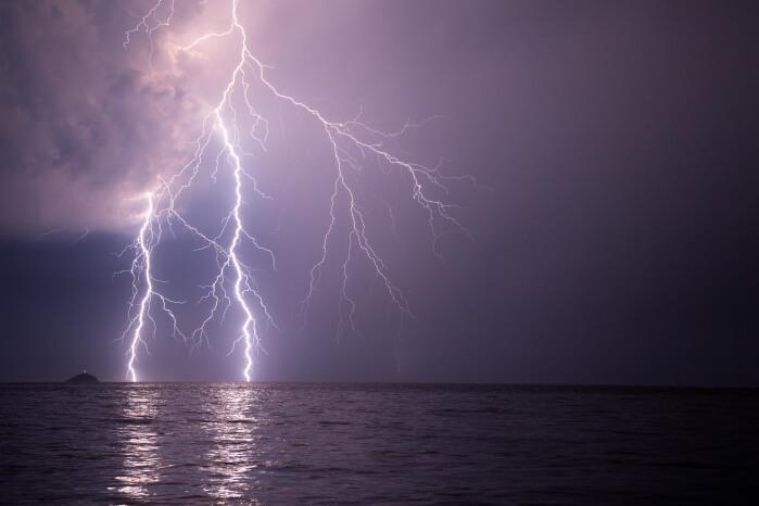 Blitz am Meer