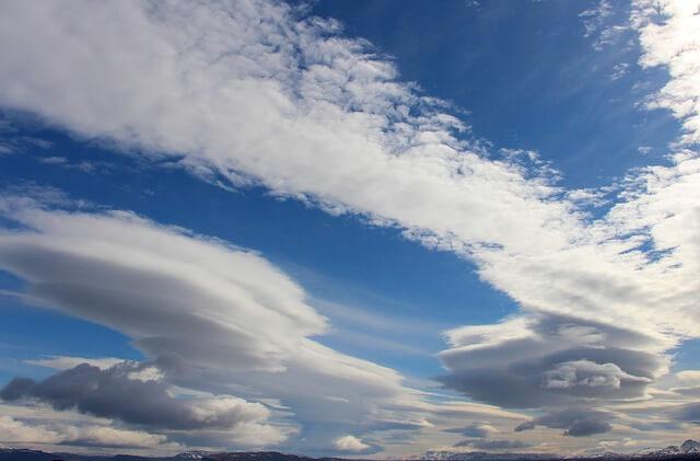 Föhnwolken am Himmel über Österreich.