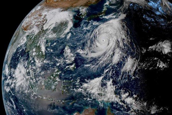 Taifun Hagibis auf dem Pazifik vor Japan