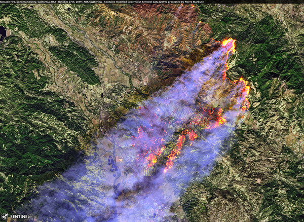 Satellitenbild vom Kincade-Fire @ Pierre Markuse