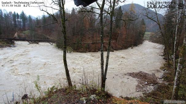 Die Saalach bei Lofer führt Hochwasser. © www.foto-webcam.eu