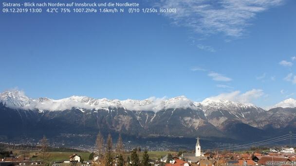 Die Nordkette oberhalb von Innsbruck ist nur in den Hochlagen weiß. ©www.stefanjud.net/