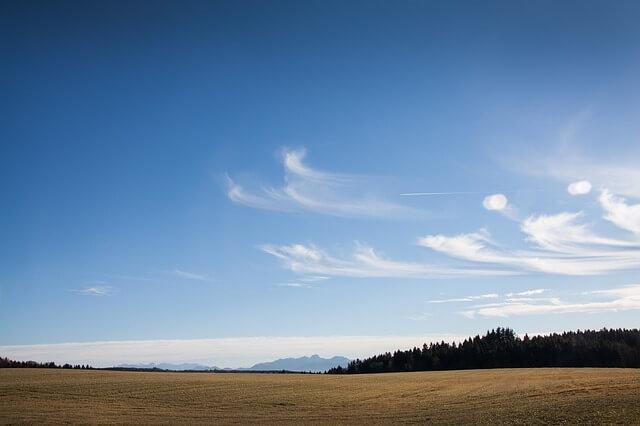Föhn trieb die Temperaturen am Alpenrand in die Höhe.