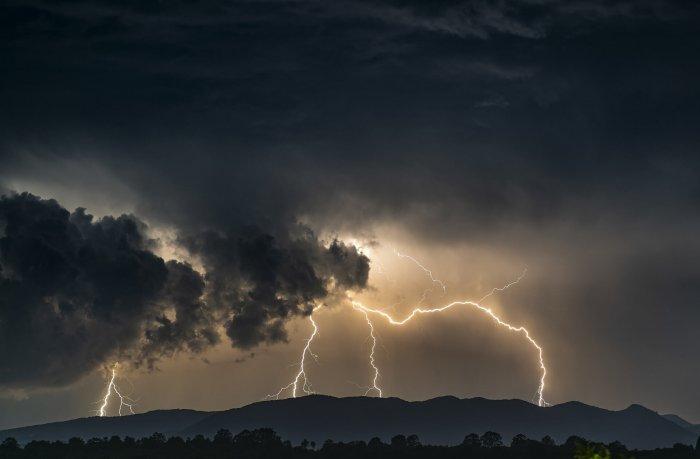Am Sonntag über 31.000 Blitze in Österreich