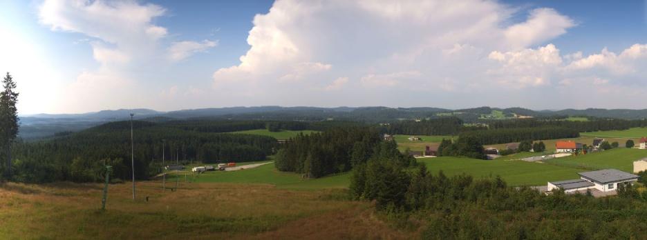 Gewitterwolke über dem Waldviertel am Sonntag - https://liebenau.panomax.com/