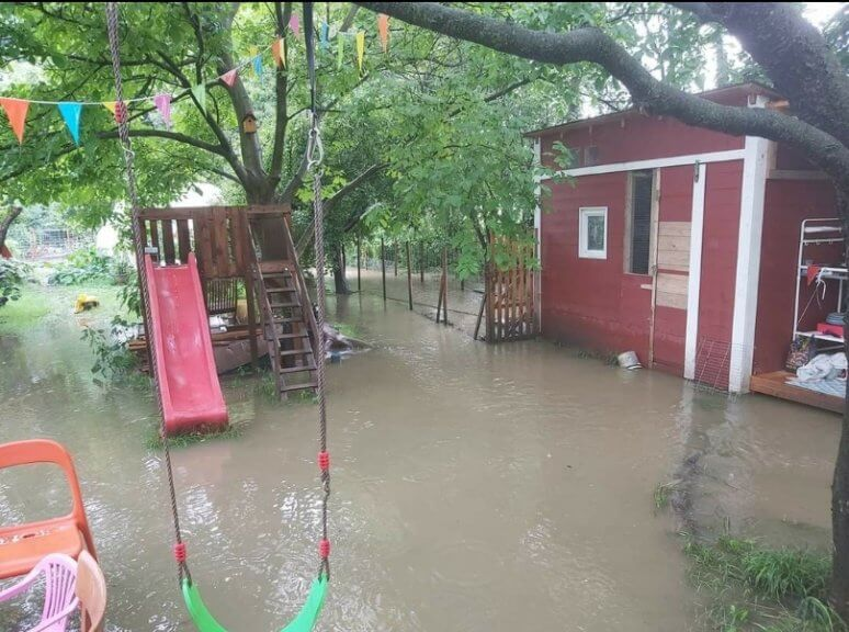 Überflutungen am Sonntag in Dörfles (Bezirk Neunkirchen, NÖ)