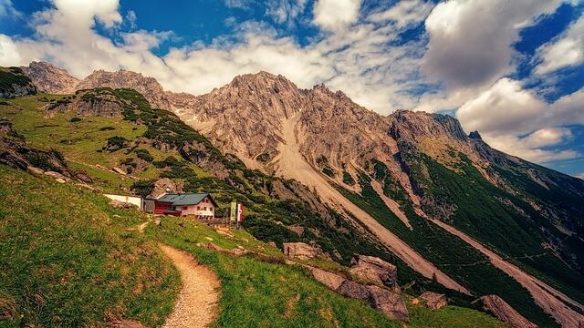 Am Mittwoch Schauer und Gewitter im Bergland