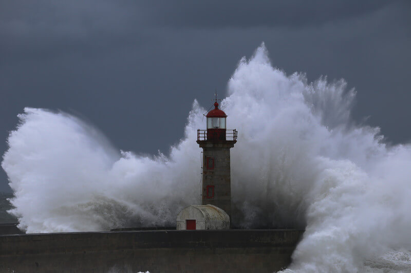 Gefährlicher Sturm in der Biskaya