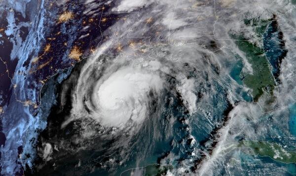 Hurrikan ZETA: Vom Tropensturm zum Schneesturm