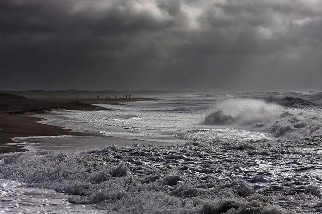 Stürmisches Wetter an der Nordsee - pixabay.com / 9685995