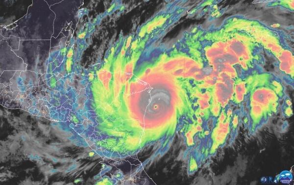 Hurrikan ETA bedroht Mittelamerika