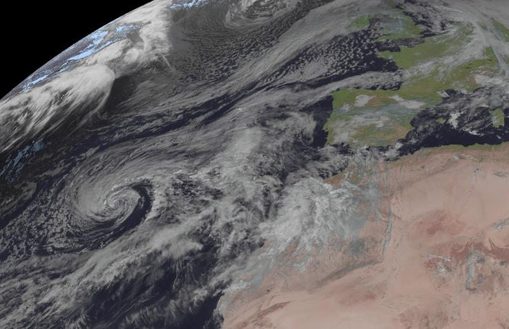 Tropischer Sturm THETA nähert sich Madeira