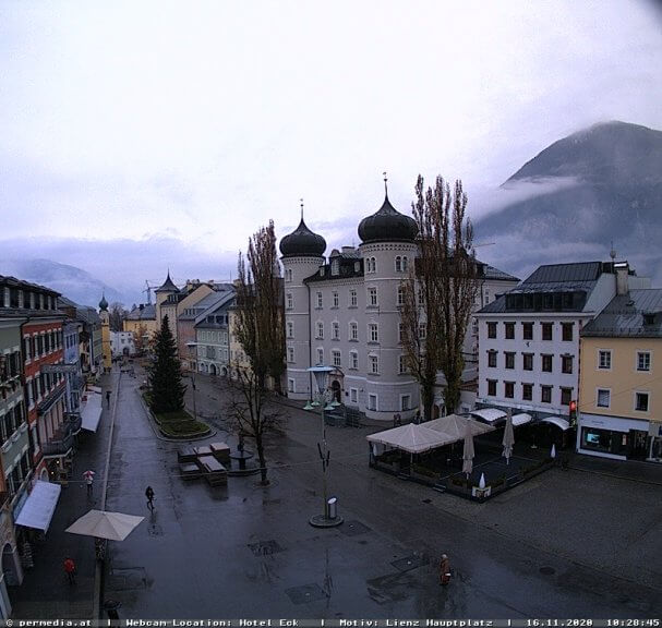 Webcam Lienz Hauptplatz am Montagvormittag - https://www.lienz.gv.at/tourismus/webcams.html