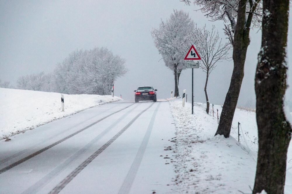 Randtief bringt Schneefall und starken Wind
