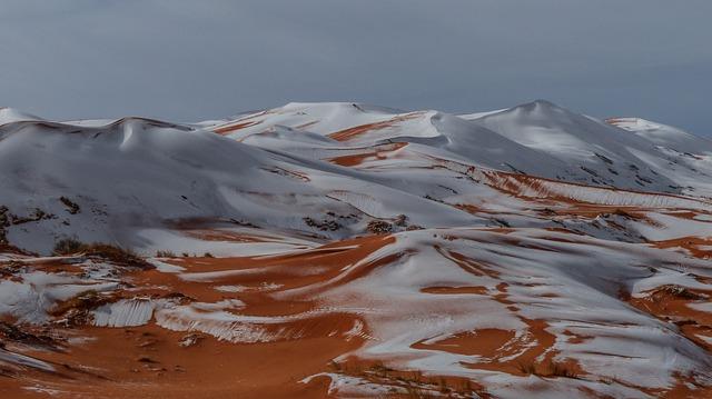Schnee und Hagel in der Wüste (Symbolbild) - pixabay.com