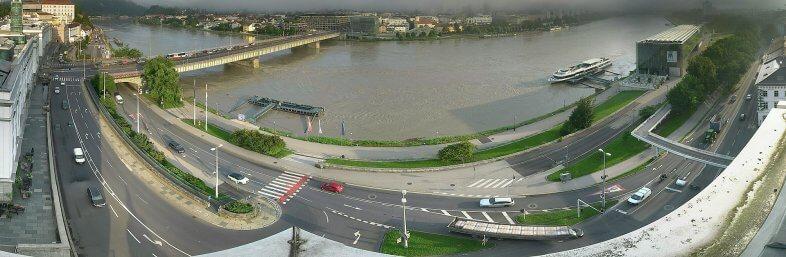 Webcam Linz-Donau - https://www.linztourismus.at/freizeit/reise-planen/service/webcam/
