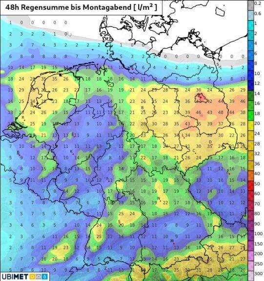 48-stündige Niederschlagssumme bis Montagabend in l/m² - UBIMET UCM Modell