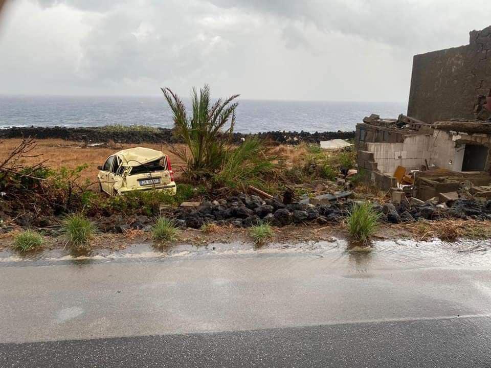 Starker Tornado auf der Insel Pantelleria