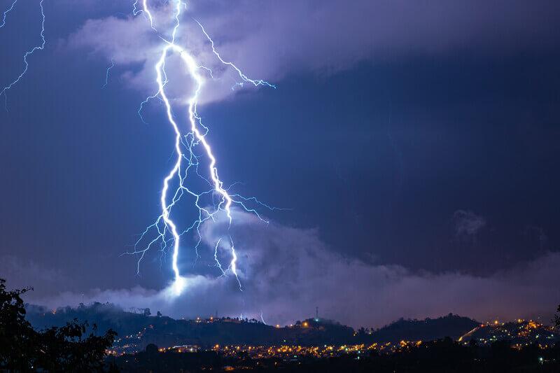 Blitzreport Sommer 2021: Weniger Blitze als üblich