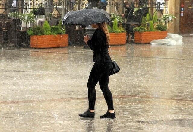 Am Mittwoch wieder Starkregen und Gewitter