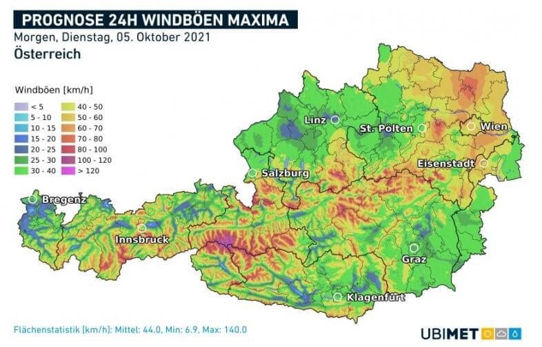 Maximale Windböen am Dienstag mit Südostwind bzw. in den Alpen Südföhn - UBIMET UCM-Modell